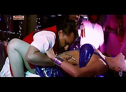 Umadatwa Re Jobanwa SEXY Item Song Seema Singh