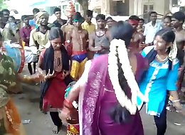 dance by girls in streets